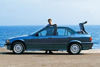 Bizony, hogy létezik a négyajtós kabrió BMW!