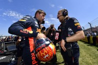 F1: A Red Bull tudja, hogy tartsák meg Verstappent