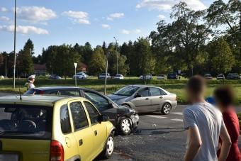 Ez a magyar hölgy elég furcsán reagált a rendőri irányításra