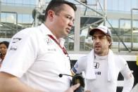 McLaren: Alonso maradni akar