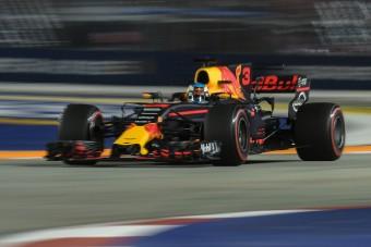 F1: Red Bull-uralom Szingapúrban, Vettel falat bontott