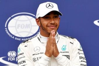 F1: Hamilton tudni szeretné, mi van Schumacherrel