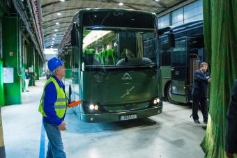 Új magyar katonai buszokkal vihetik a katonákat a határhoz