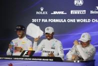 F1: Hamilton miatt fingott Ricciardo Szingapúrban