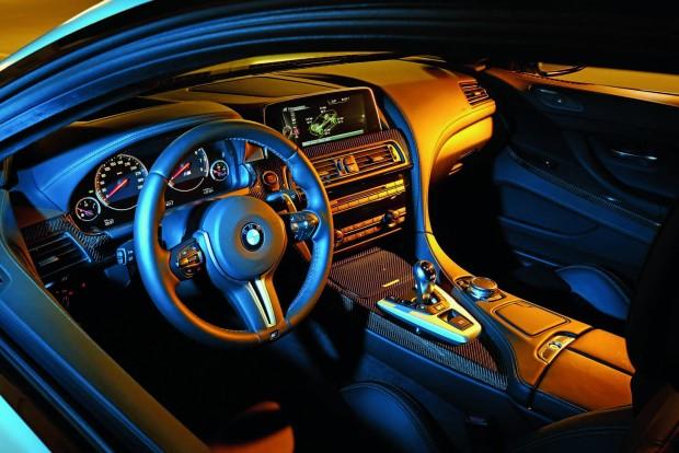 A BMW M6-nak bőséges a helykínálata, irányító központja jól használható