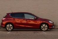 Semmiből jött új Nissan a Golf-kategóriában