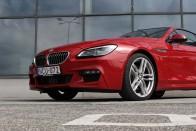 Bálnakupé BMW módra