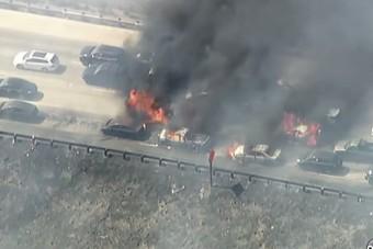 20 autó égett ki az autópályán